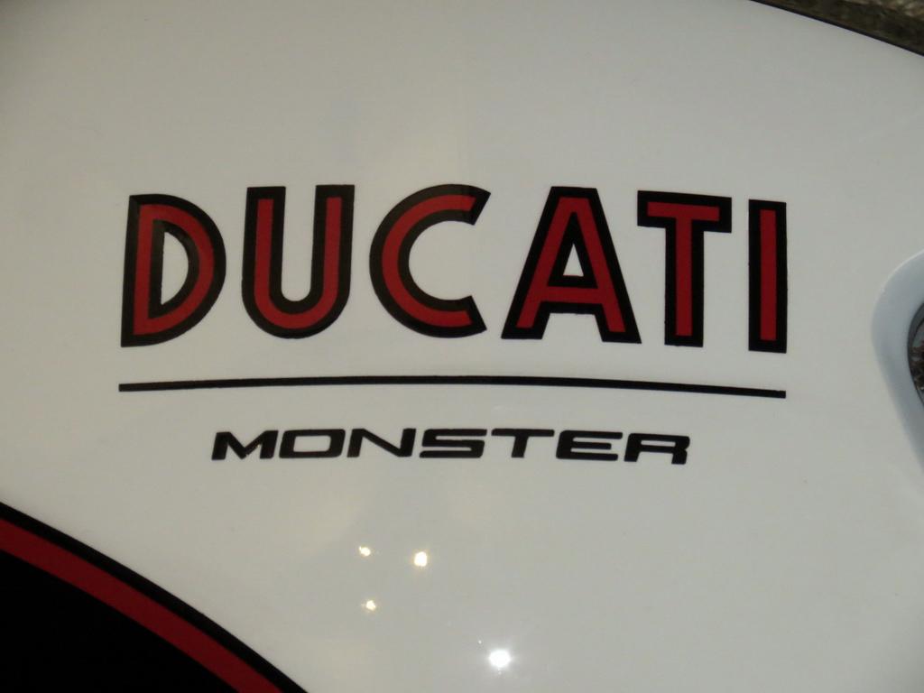 LorenzoImbimbo_Ducati_Monster_100